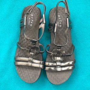 Clark's Privo! Vegan Pewter Metallic Sandals S7.5